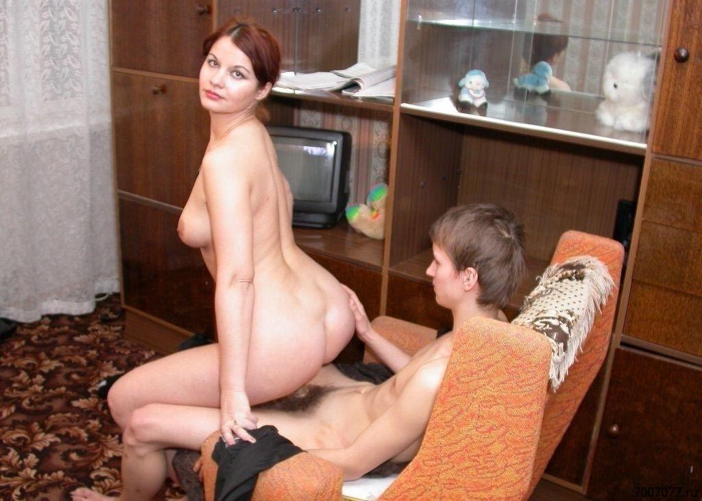 Секс Подростка Со Взрослой Женщиной
