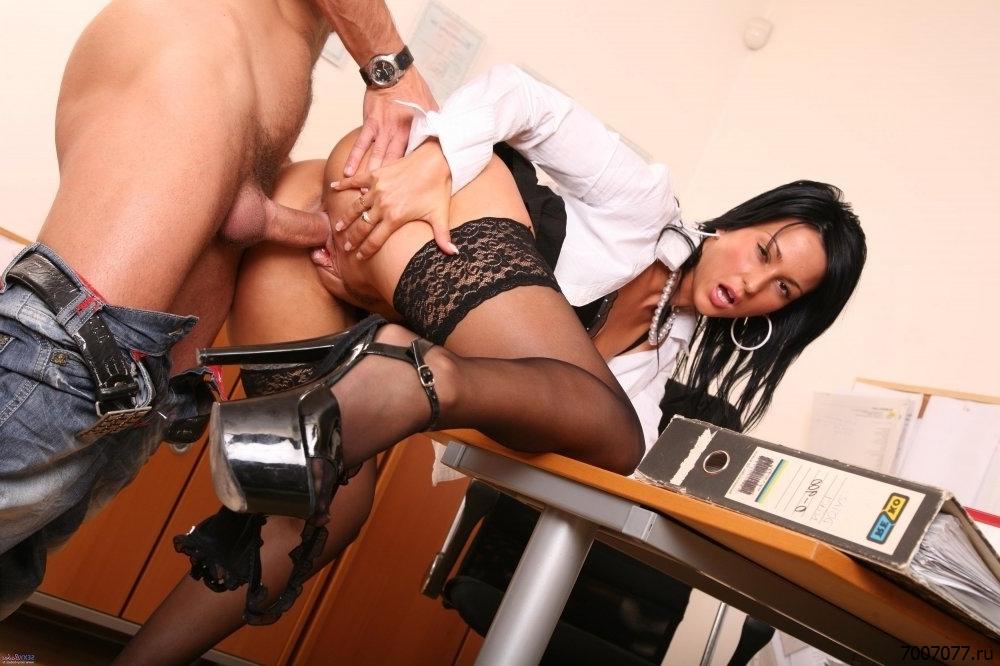 Секс На Работе Скачать